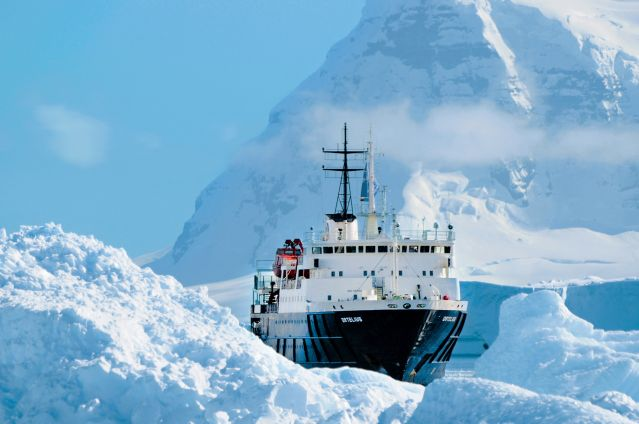 © Elke Lindner - Oceanwide Expeditions - Le bateau d expédition M/V Ortelius - Antarctique