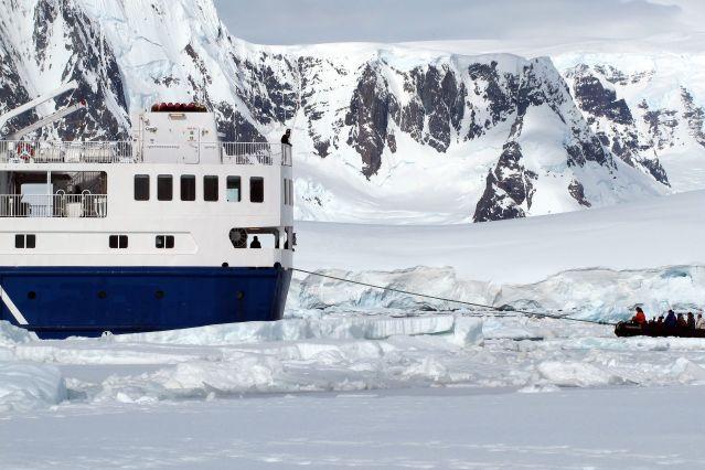 L Ocean Nova en Antarctique