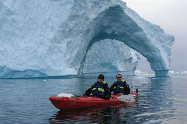 © Jim Mayer/Oceanwide Expeditions - Sortie en Kayak - Antarctique