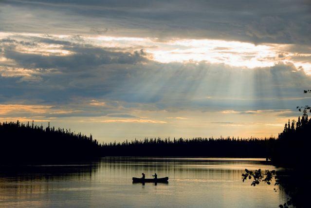© Pierre Dunnigan - Canoë sur la rivière Bazin au Québec - Canada