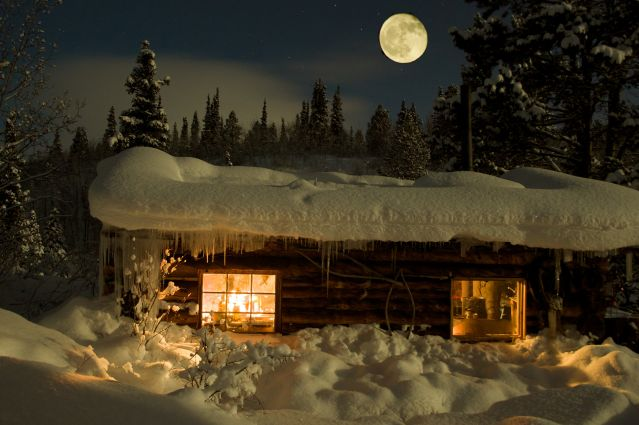 © Chalet Coal Lake dans le Yukon - Canada - Sky High Wilderness