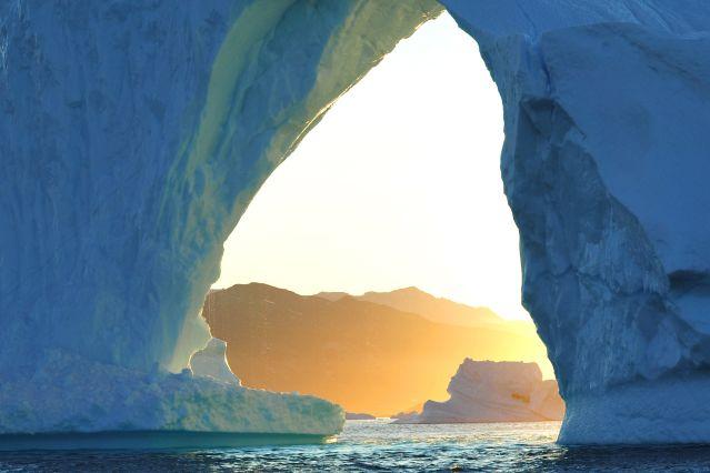 Iceberg en forme d arche - Groenland
