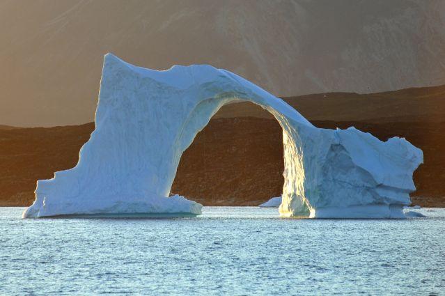 Iceberg En Forme D Arche