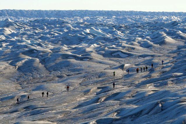 Voyage Calotte polaire en vue et traîneau sur la banquise