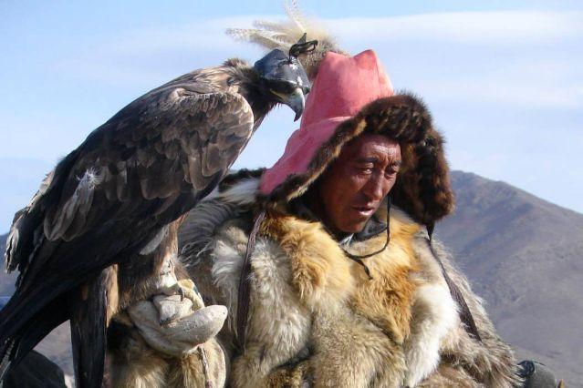 Voyage La fête de Nauriz avec les aigliers de Mongolie