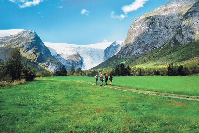 © Anders Gjengedal / Innovation Norway  - Randonnée dans le Parc National de Jostedalbreen - Norvège