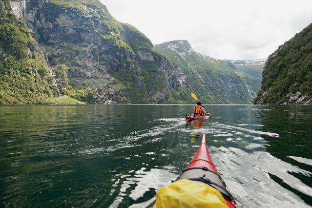 Kayak dans le Geirangerfjord - Comté de More og Romsdal - Norvège