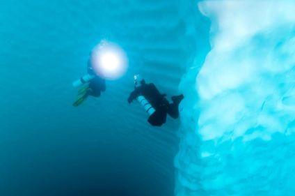 Plongée sous les glaces du fjord Sermilik